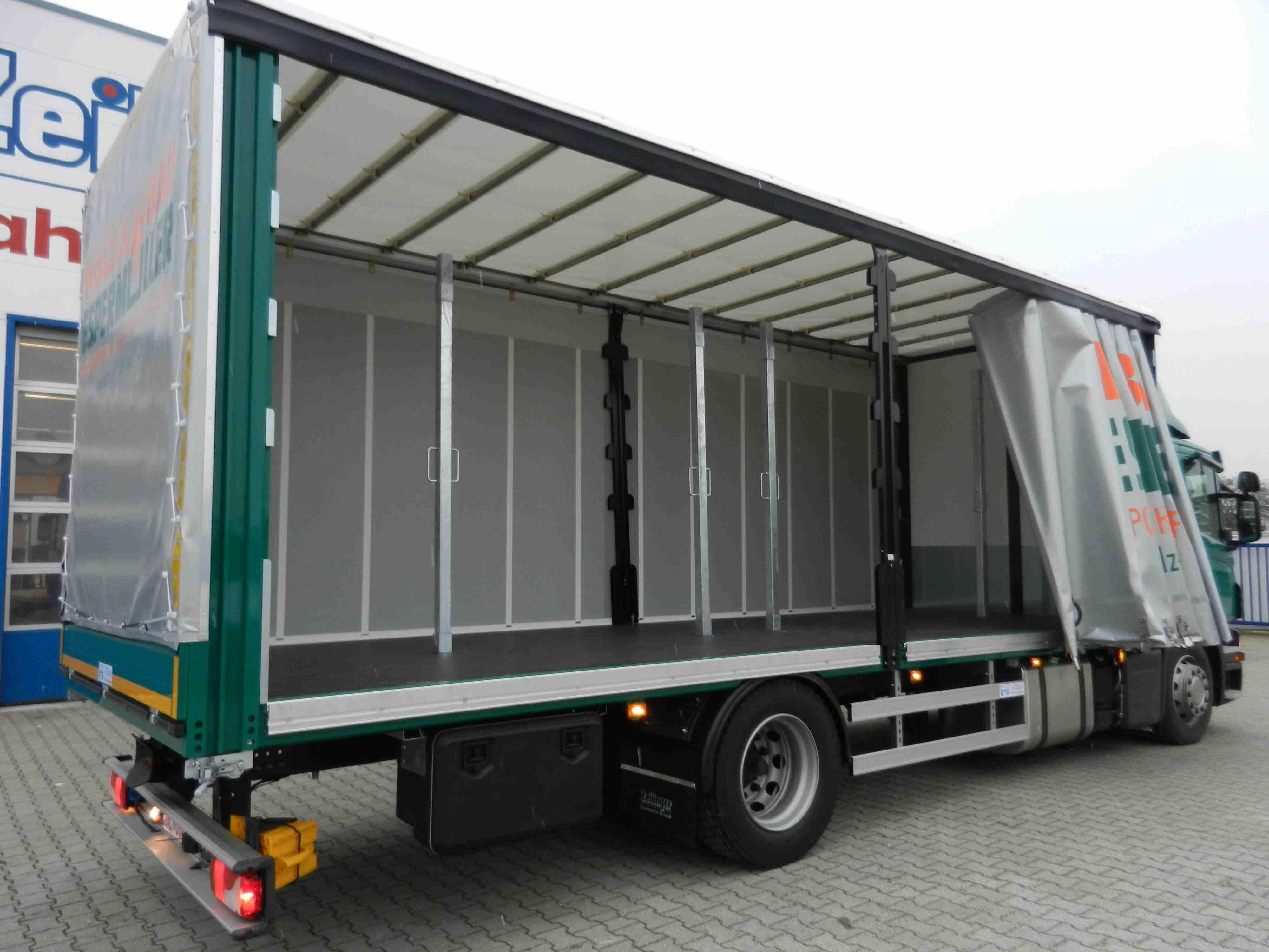 Curtainsider Scania 3